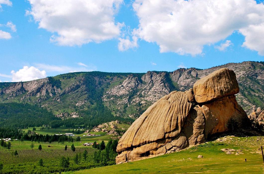 Разные горы интересной формы
