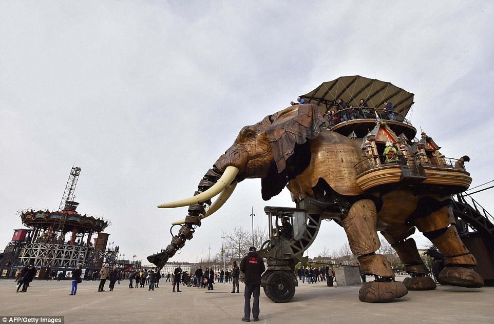 Машины острова Нант: парк аттракционов во Франции