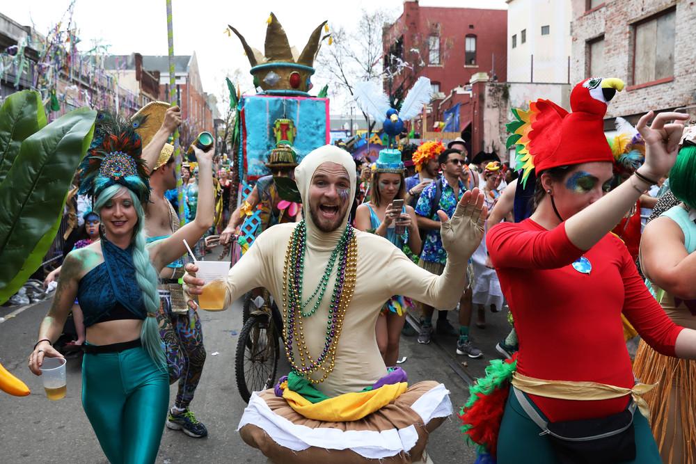 Ежегодной карнавал Марди Гра в Новом Орлеане