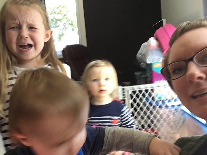 Каково иметь трех детей в фотографиях