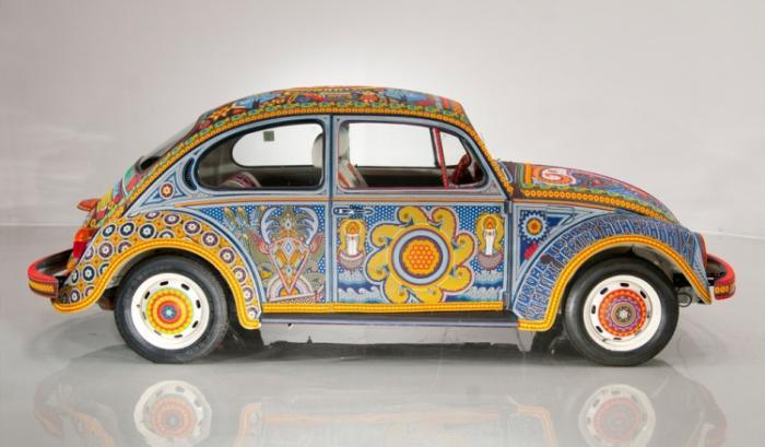 Уникальный Volkswagen Beetle, покрытый бисером