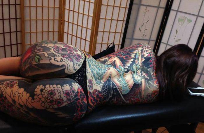 Великолепные татуировки на телах девушек