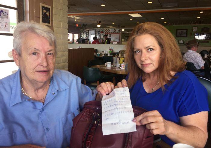 Американка нашла записку от китайского заключённого в купленной сумке