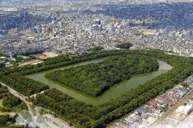 Курган в Осаке — самая большая гробница в мире