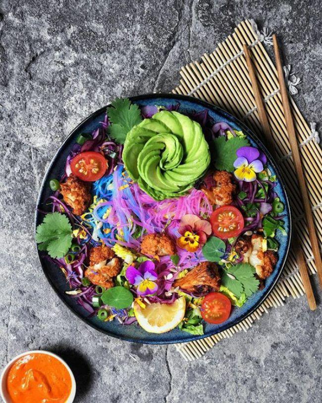 Лапша единорога — новый кулинарный тренд в сети
