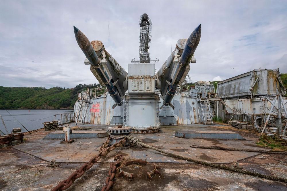Прогулка по заброшенному ракетному крейсеру