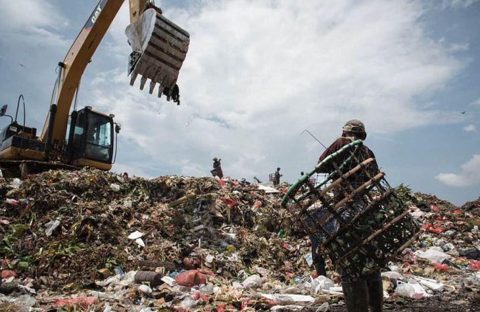 Свалка в Индонезии, ставшая домом для 3000 семей