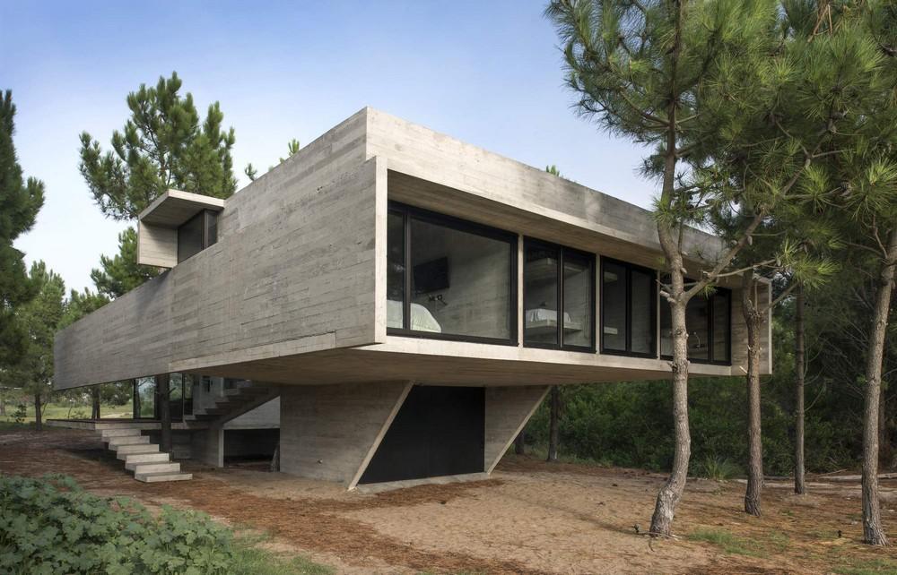 Дом для загородного отдыха из бетона в Аргентине