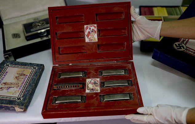 Крупнейшая коллекция фашистских артефактов в тайнике коллекционера