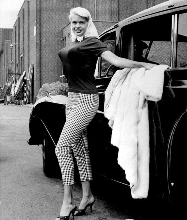 Бюстгальтеры-пули — модное белье 40-х — 50-х годов