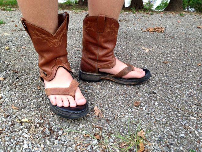 Ковбойские сандалии — новый трэш-тренд