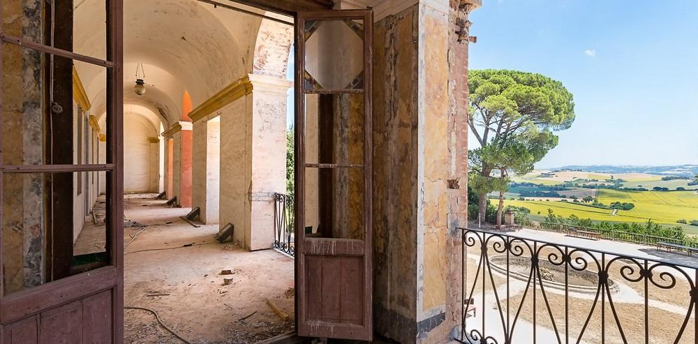 Красивые заброшенные здания Италии