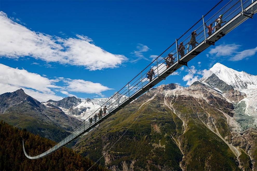 В Швейцарии появился самый длинный подвесной мост