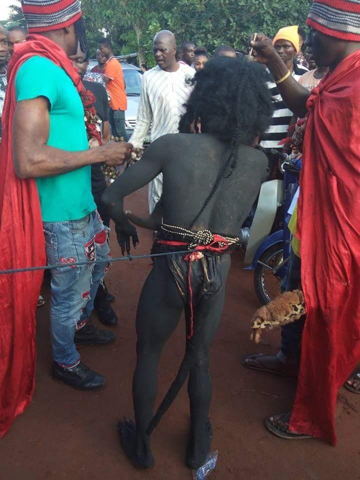 Мозамбикские колдуны поймали демона, который овладевал местными женщинами