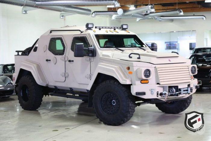 На аукционе в США продают армейский внедорожник Terradyne Gurkha