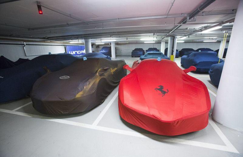 Престижные подземные автостоянки с дорогущими тачками
