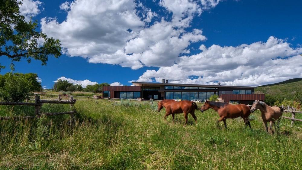 Фермерский дом на ранчо в США