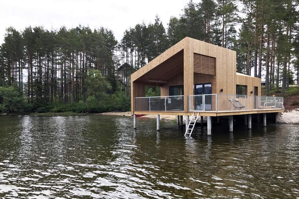 Плавающий дом на озере в Норвегии