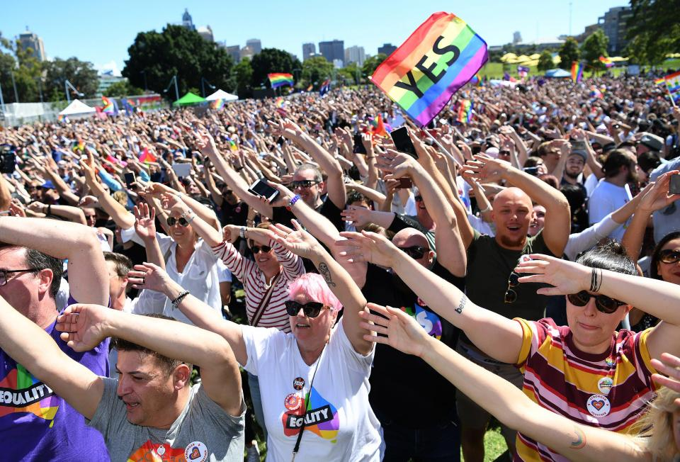Австралийцы проголосовали в поддержку однополых браков