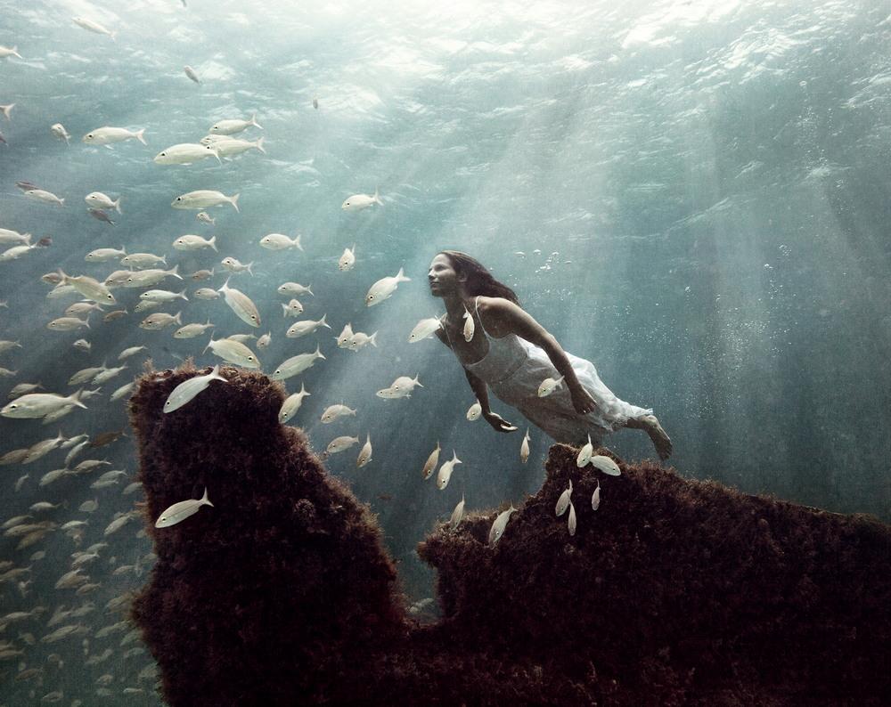 Девушки в воде от Меган Огилви