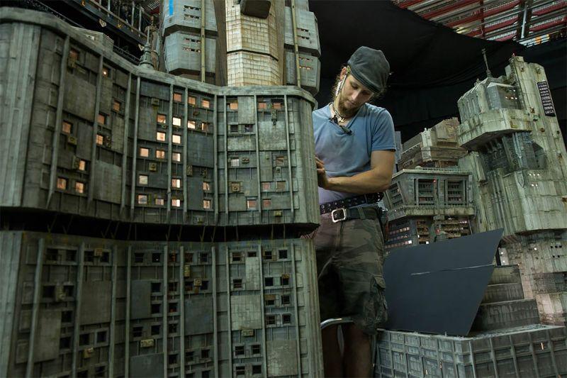 Изготовление мини-декораций для фильма «Бегущий по лезвию 2049»