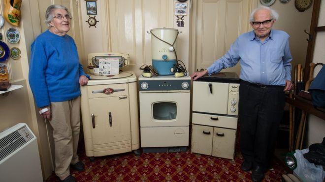 Пожилая пара решила продать 60-летнюю бытовую технику