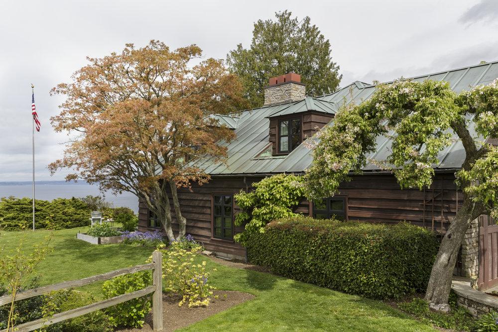 Старый дом с современным интерьером