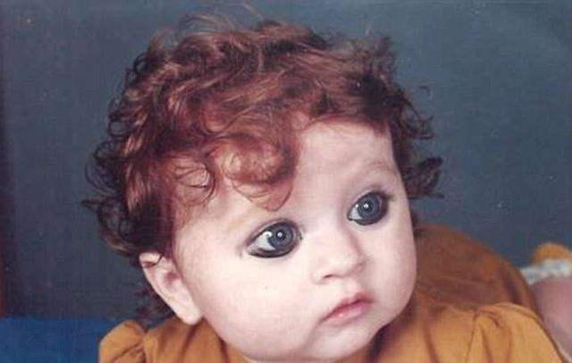 Пуджа Ганатра — индианка с белой кожей и рыжими волосами