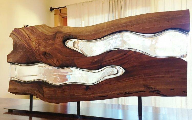 Скульптуры из стекла и дерева
