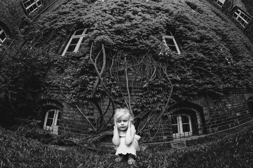 Лучшие работы фотоконкурса B&W Child Photo Competition 2017