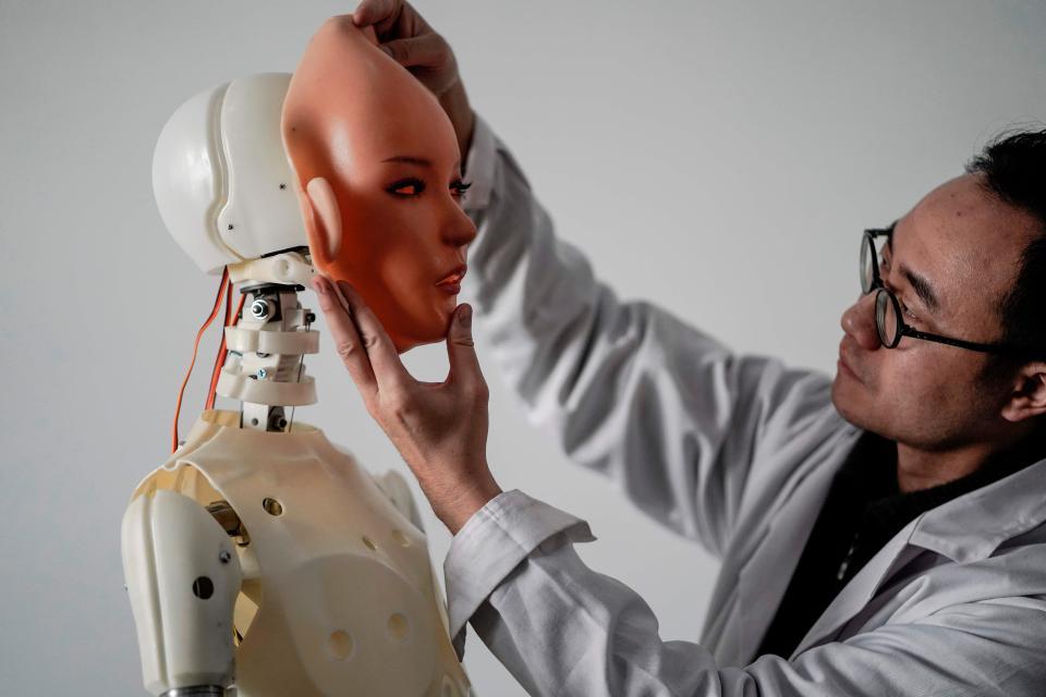 На китайском производстве секс-роботов