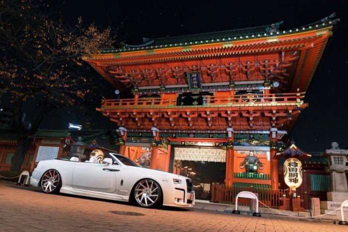 Нескромный Rolls-Royce Dawn из Японии с обвесом от ателье Wald