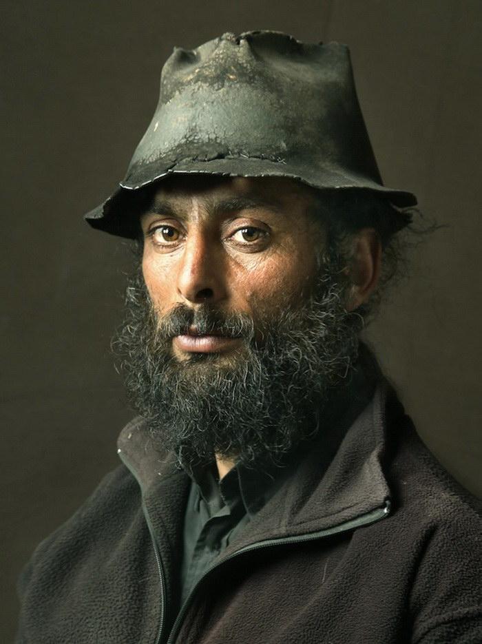 Портреты пиренейских цыган в стиле старинных картин