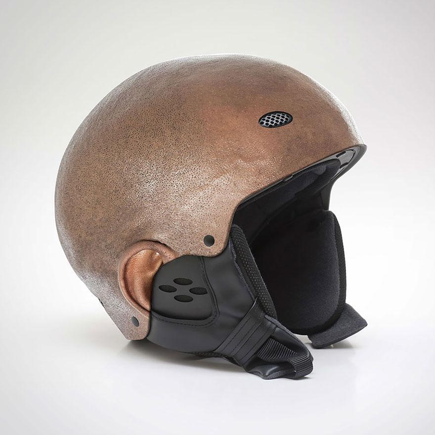 Шлем, который выглядит как бритая человеческая голова