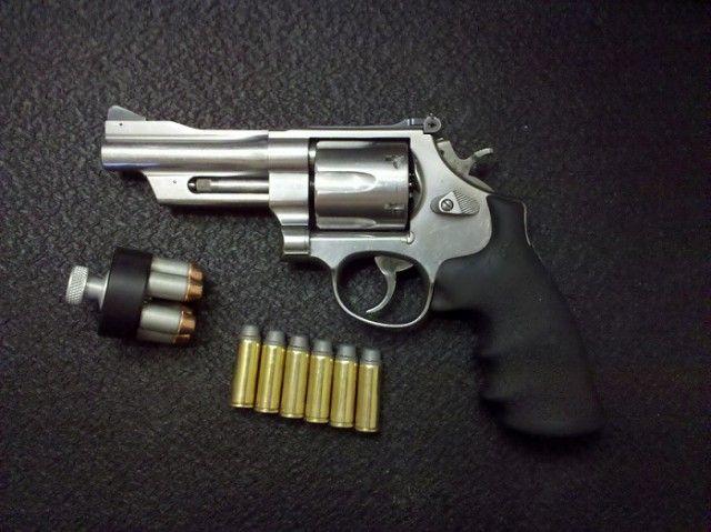 Для чего нужны выемки на барабанах револьверов