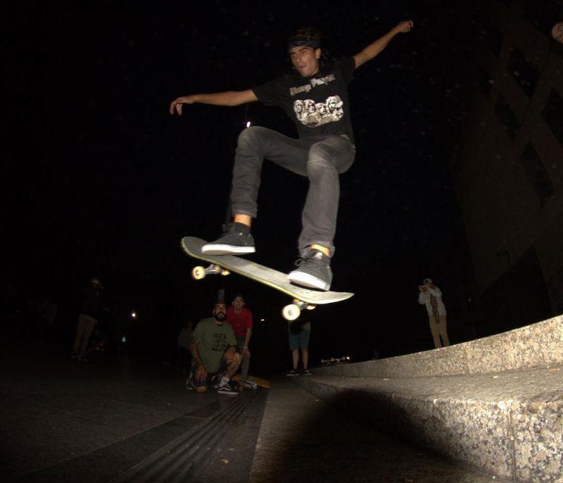 Слепой скейтбордист доказывает, что нет ничего невозможного