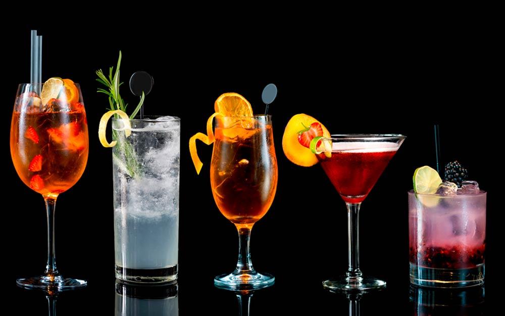 «Поклонникам алкогольных напитков посвящается!» или несколько историй о том, как появились ваши любимые коктейли