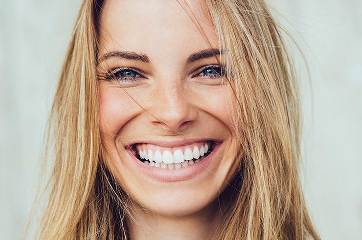 5 популярных способов сделать зубы белее