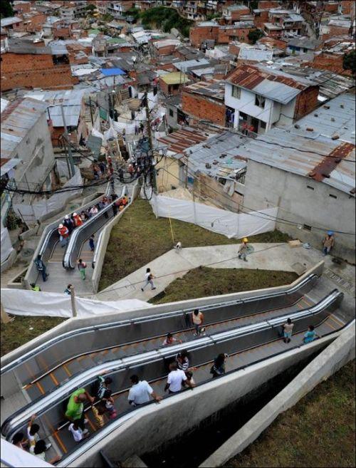 Эскалаторы в колумбийских трущобах