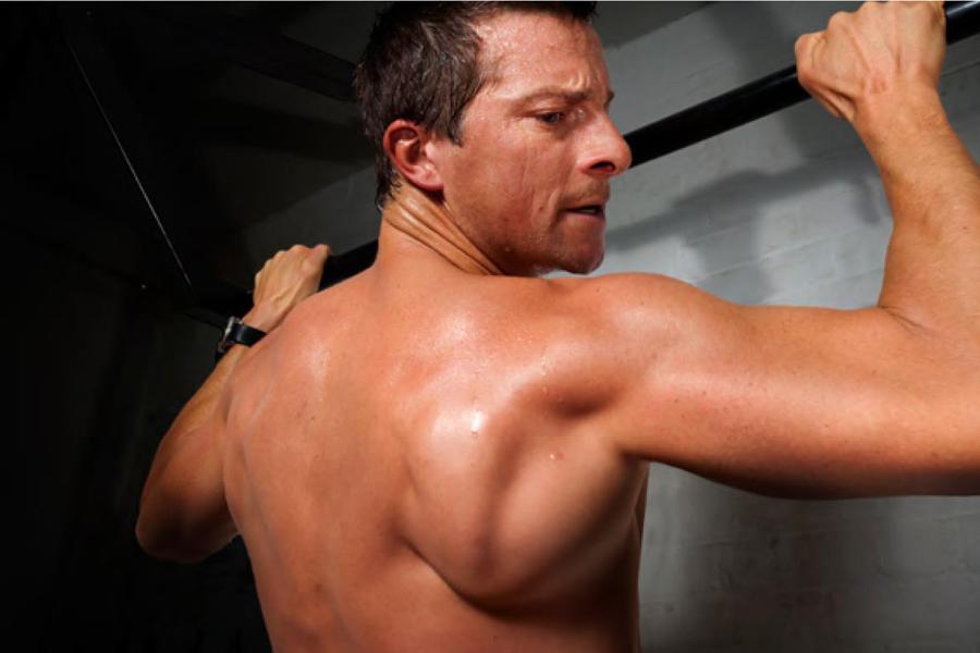 Полезные лайфхаки по фитнесу от Беара Гриллса