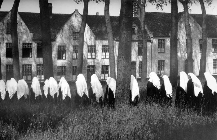 Бегинки — женщины, маскировавшиеся под монахинь