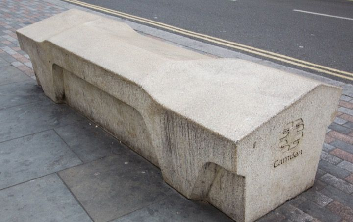 Идеальная скамейка весом 1,7 тонны, которая не подвержена порче