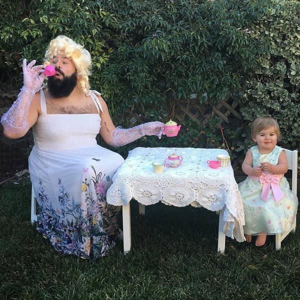 Любящие папы со своими любящими дочками
