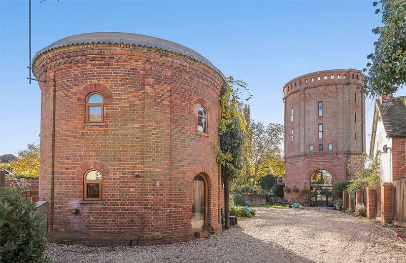 Роскошное жилье из старых водонапорных башен