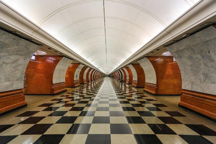 Самые глубокие станции метро в мире