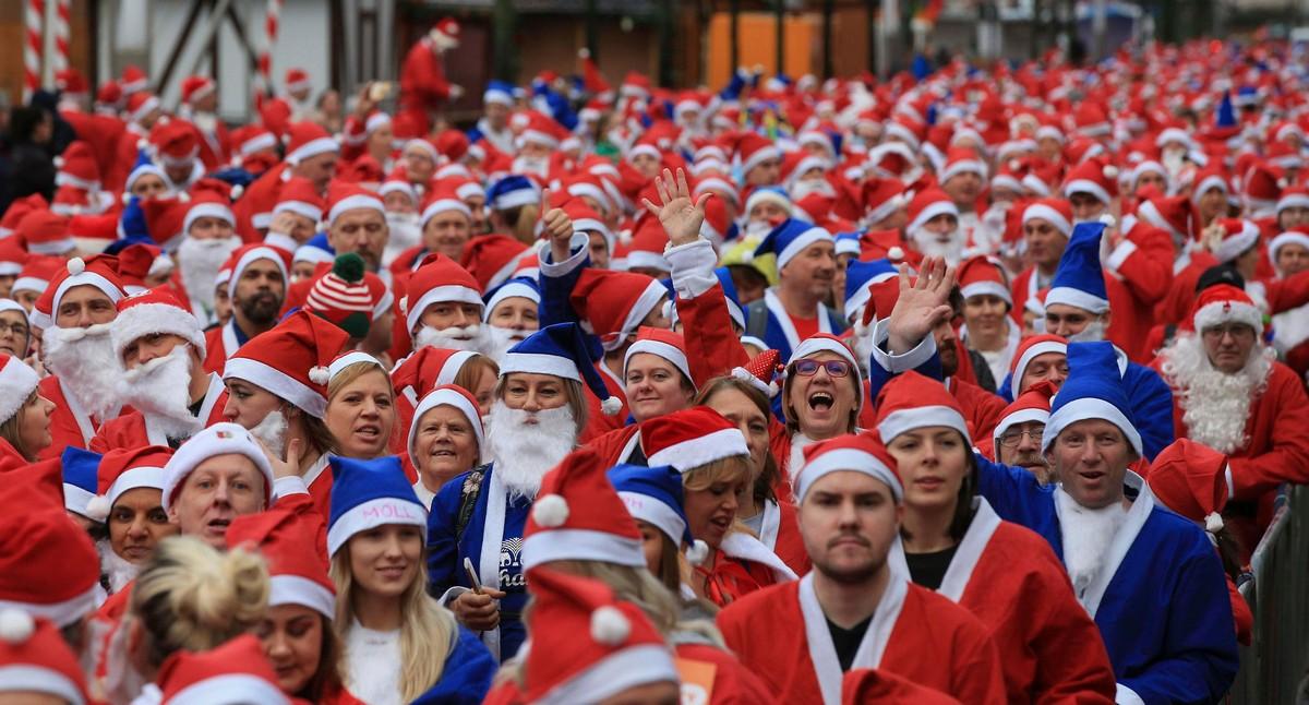 Ежегодные забеги Дедов Морозов и Санта-Клаусов в разных странах