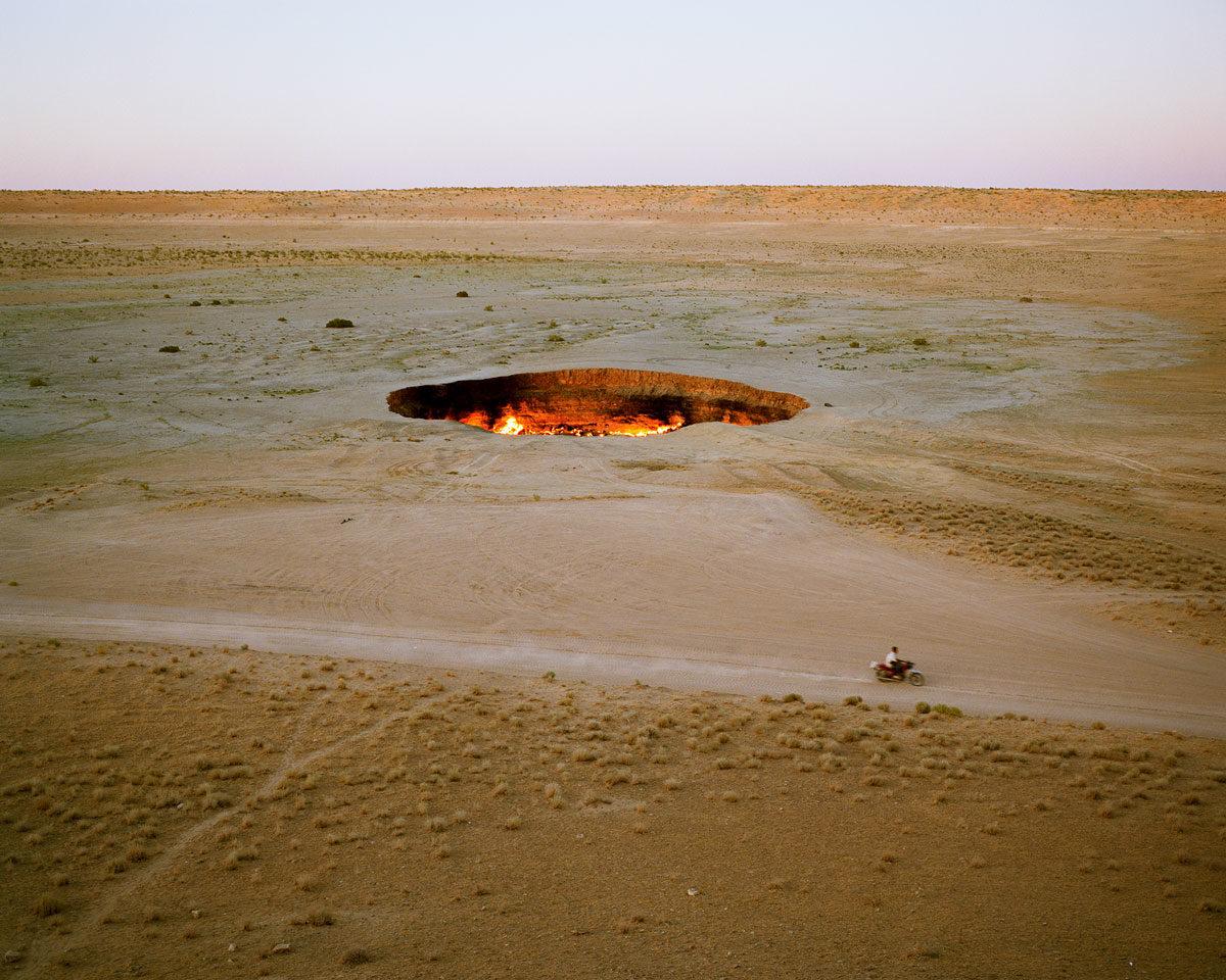 «Каспий: элементы» — книга фотографа Хлои Дью Мэтьюз