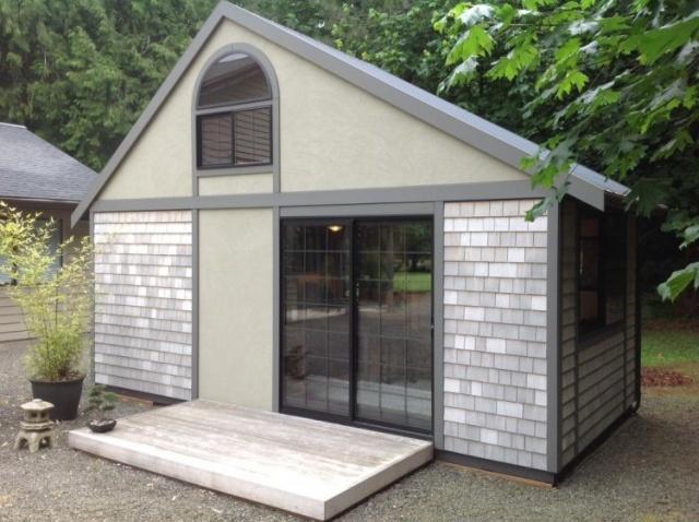 Компактный домик с площадью 18 квадратных метров