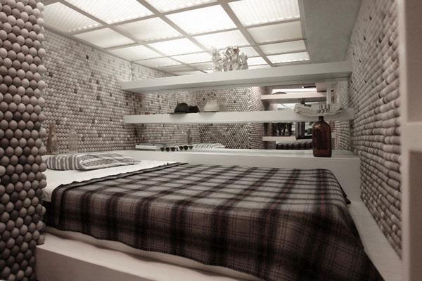 Квартира со стенами из теннисных мячиков