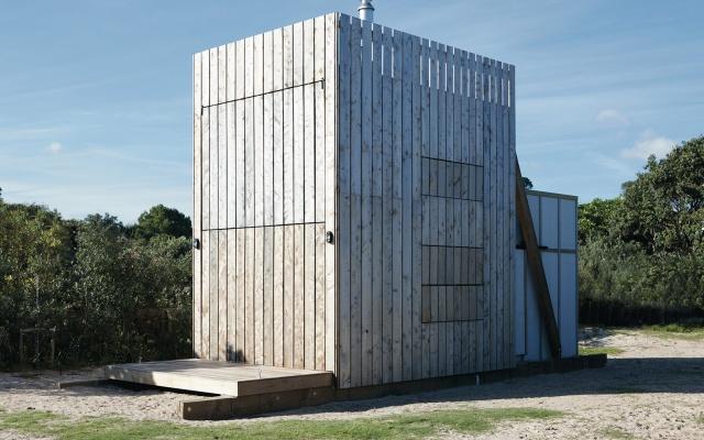 Необычный домик на пляже в Новой Зеландии